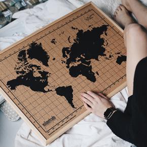 cadeau voor hem - kruk prikbord wereldkaart