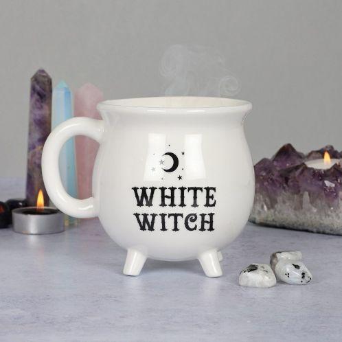 Heksenketelbeker in het wit