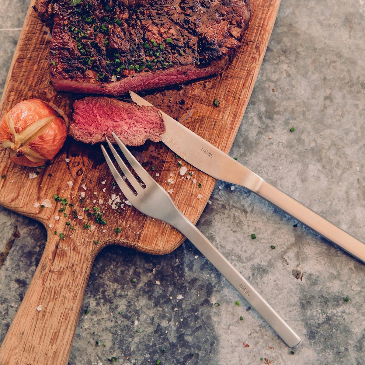 Steakbestek in houten geschenkdoos