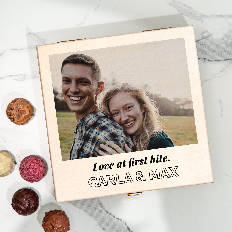 huwelijkscadeaus pralinedoosje met foto en tekst