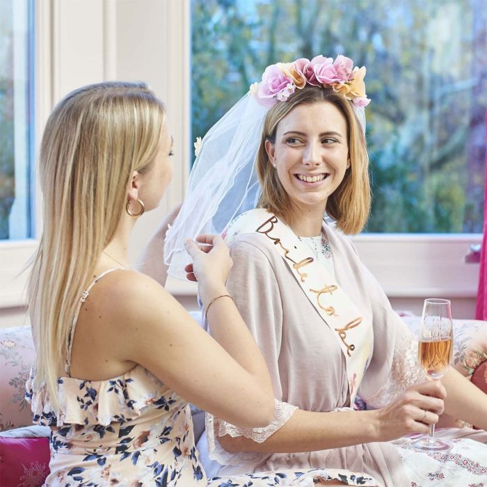 Bruidssluier met bloemen