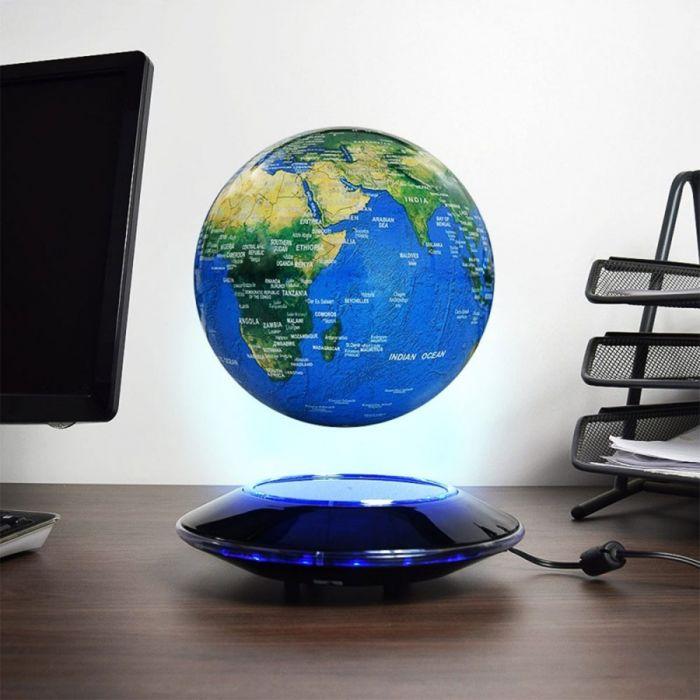 Licht zwevende wereldbol