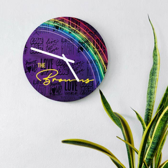 Personaliseerbare klok met neon design