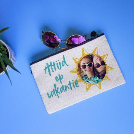 Personaliseerbaar make-up tasje met afbeelding en tekst
