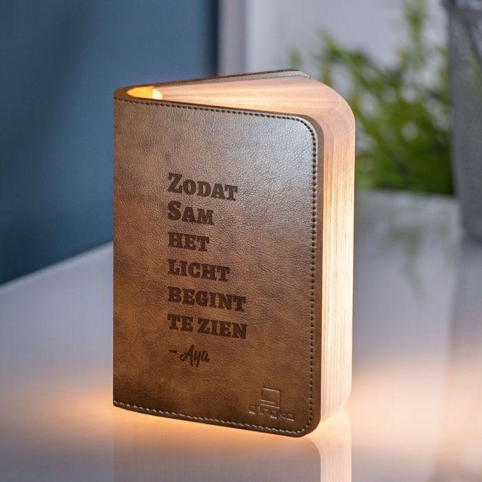 Personaliseerbaar boek licht met tekst