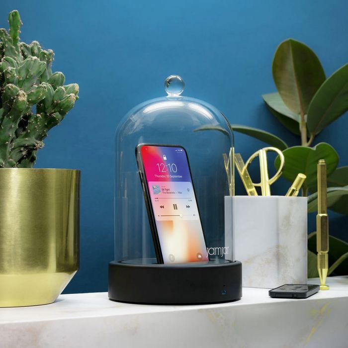 Smartphone stolp met Bluetooth speaker