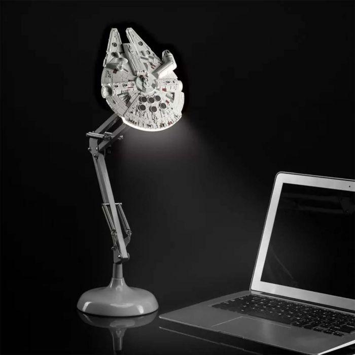 Star Wars Millennium Falcon bureaulamp