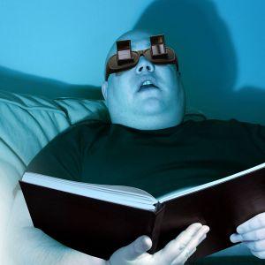 Hoekbril voor het lezen tijdens het liggen