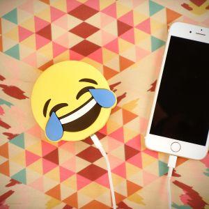 Emoji vreugdetranen oplader voor smartphones