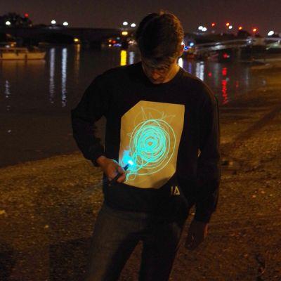 Kleding & accesoires - Interactief Glow sweatshirt