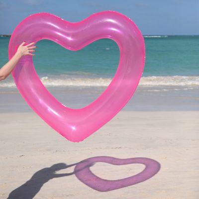 Outdoor - Hartvormige zwemband in het roze