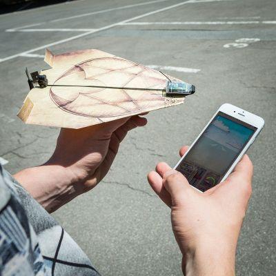 Cadeau voor hem - PowerUp 3.0 - smartphone gestuurde aandrijving voor papieren vliegers