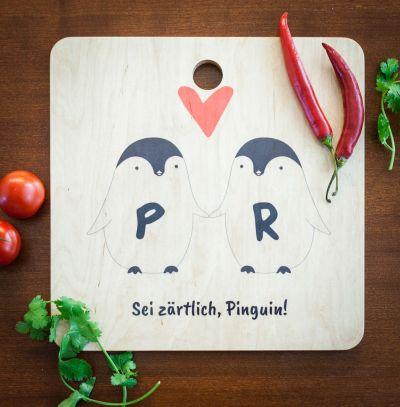 Romantisch cadeau - Personaliseerbare pinguïn paar snijplank