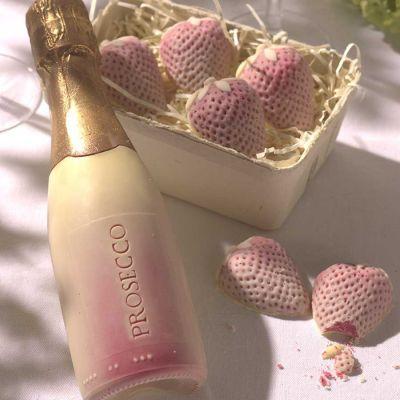 Cadeau voor ouders - Prosecco en aardbeien van chocolade