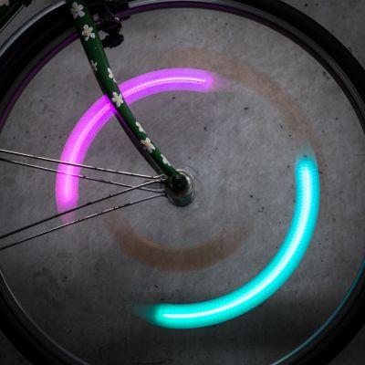 Verjaardagscadeau voor vriend - SpokeLit fietsspaaklicht met kleurwisseling