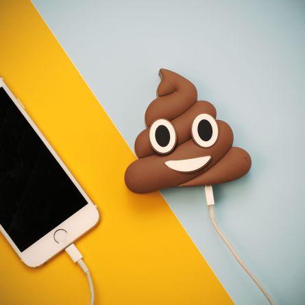Poop Emoji oplader voor smartphones