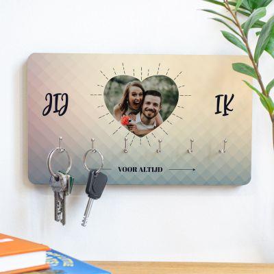 Housewarming cadeau - Personaliseerbaar sleutelbord met hartje