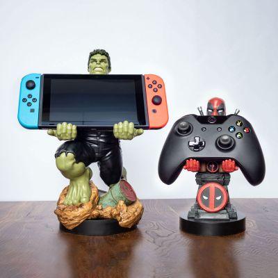 Speeltjes - Marvel smartphonehouder met oplaadkabel