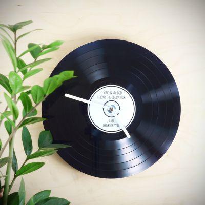 Cadeau voor zus - Personaliseerbare LP wandklok