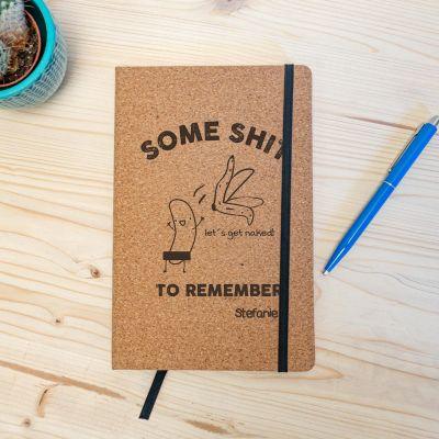 Back to school cadeaus - Personaliseerbaar kurken notitieboek – Some Shit