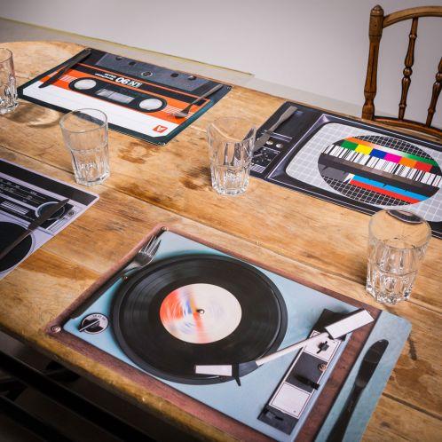 Verjaardagscadeau - Retro tafelset - 4-delig