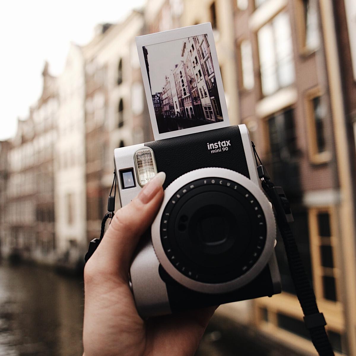 Fuji Instax Mini 90 Instant Camera Zwart